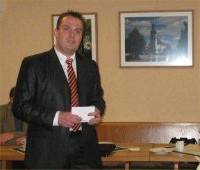 Bürgermeisterkandidat Matthias Döhla bei seiner Rede